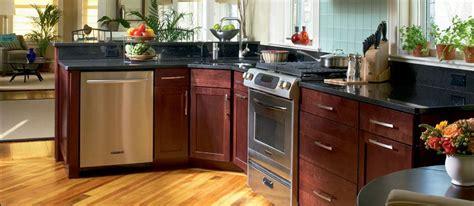 shenandoah kitchen cabinets colors lowe s shenandoah breckenridge cabinets but in maple