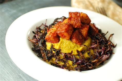cuisiner tempeh 5 spice potatoes with crispy cabbage and spicy