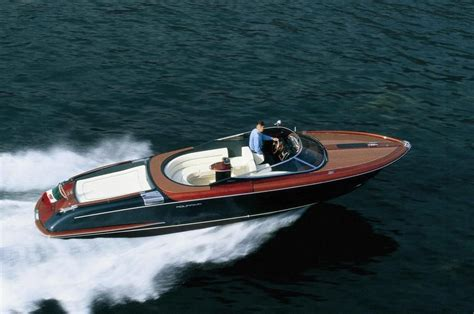 Boat Insurance France by 2003 Riva Aquariva 33 Power Boat For Sale Www Yachtworld