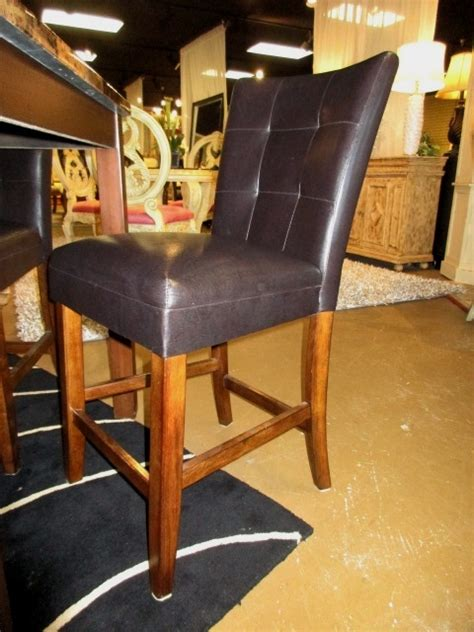 faux pub table w 4 chairs at the missing