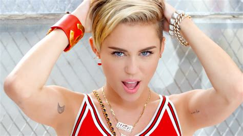 miley cyrus wallpapers images  pictures backgrounds