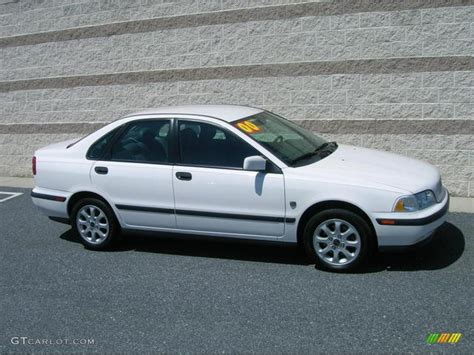 White Volvo S40 by 2000 White Volvo S40 1 9t 13757151 Gtcarlot Car
