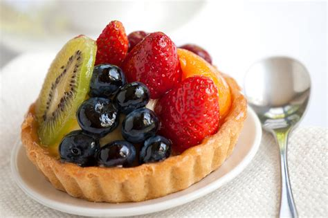 Peach Kitchen Ideas - fruit tart recipe with pastry cream filling