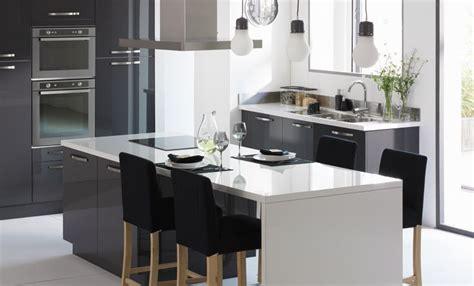 deco cuisine gris décoration cuisine gris et blanc