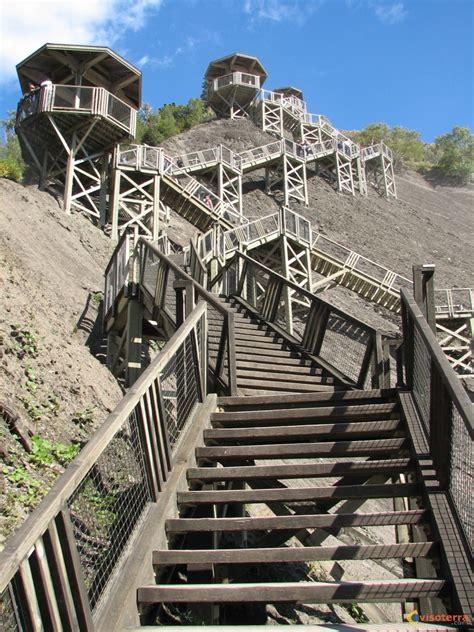 photo les escaliers du parc des chutes montmorency