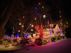 15 colorful and outrageously themed outdoor christmas lights diy