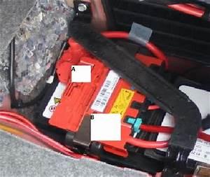 Batterie Bmw 320d : e9x battery power distribution box your source for international turbo bmw ~ Gottalentnigeria.com Avis de Voitures
