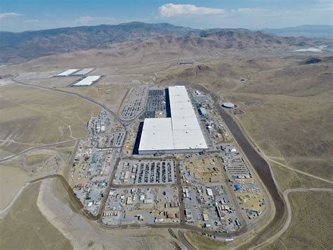 tesla gigafactory   show  parking lot