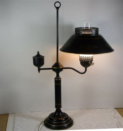 Vintage Colonial ToleWare Student Lamp Table Living Room