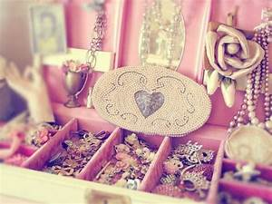 Girly-Girl Tumblr   cute, girly, jewelery, pearls ...