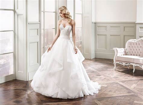 67 Best Images About Horsehair Tulle Wedding Dresses On Pinterest
