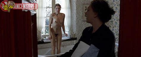 Голая Клаудия Джерини в The Unknown Woman