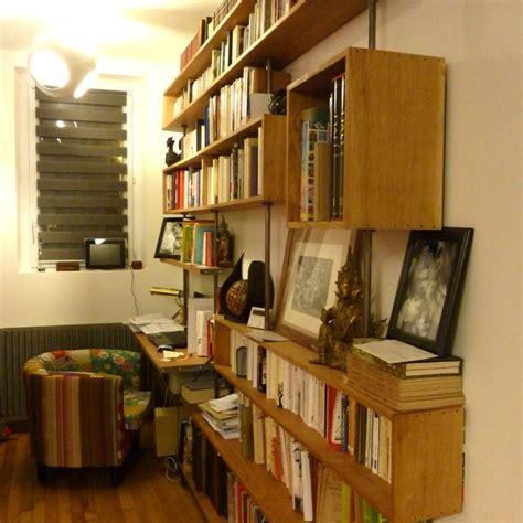 bureau intégré et une biblio géante avec bureau intégré une un week