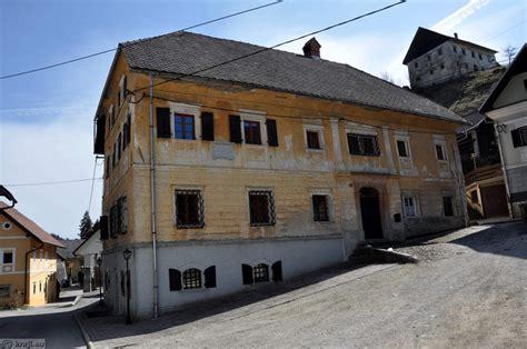 one houses lovro toman