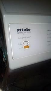 Miele Novotronic Toplader : toplader waschmaschine miele novotronic w151 ist undicht wasser l uft per berlaufkanal unten ~ Michelbontemps.com Haus und Dekorationen