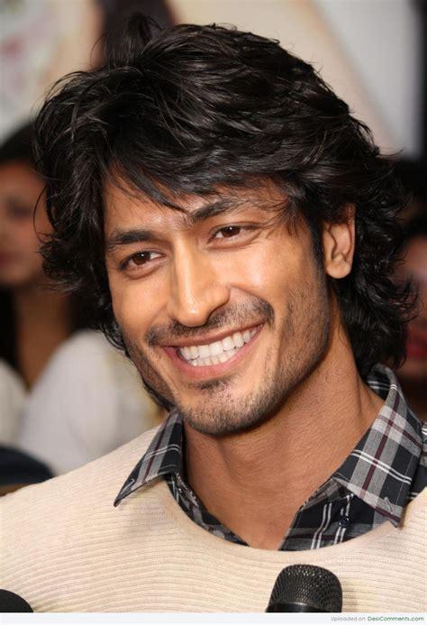 vidyut jamwal smiling face desicommentscom