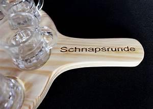 Schnapsgläser Mit Gravur : schnapsbrett aus unbehandeltem holz mit gravur ~ Watch28wear.com Haus und Dekorationen