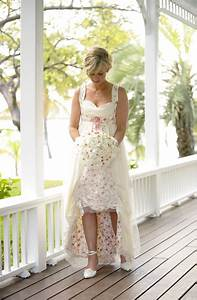 decouvrir une robe de mariage occidental par rapport a une With chambre bébé design avec robe velours fleurs