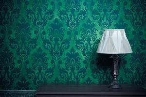 Texture Paints or Wallpaper: Which One Should You Choose