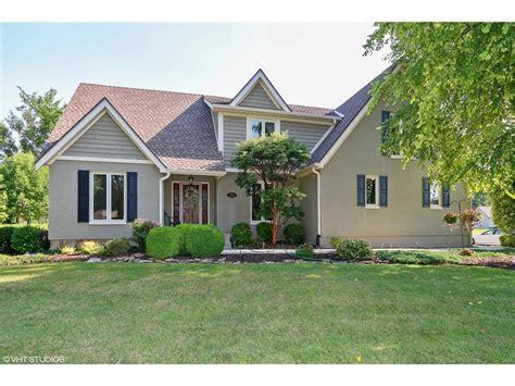 find homes  sale     real estate