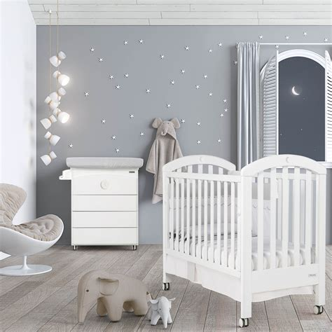 chambre bebe en pin chambre bb lit et commode white moon swarovski de micuna