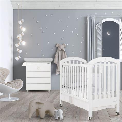 chambre bebe com chambre bb lit et commode white moon swarovski de micuna