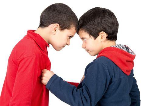 Anak Bertengkar dengan Teman. Haruskah Melerai Mereka ...