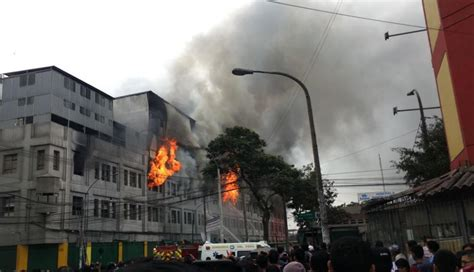 Incendio En Las Malvinas Pánico Por Explosiones En