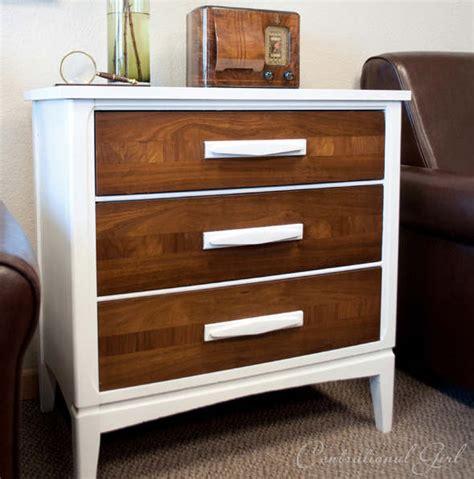 comment repeindre un bureau en bois meuble en bois repeint mzaol com