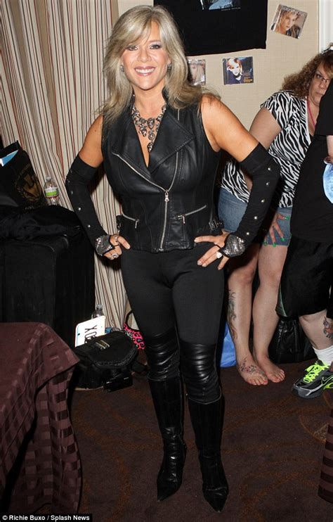 tat  amazing samantha fox meets number  fan