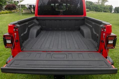 jeep gladiator      bed size pickuptruckscom news