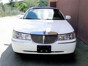 Buy Used 2000 Lincoln Town Car Executive Clean Interior