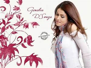 Genelia D'souza - DesiComments.com