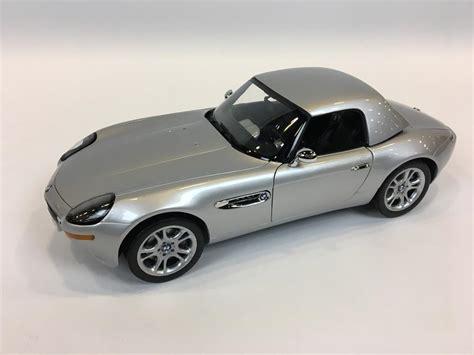James Bond 007 Bmw Z8 1/12 Scale Danbury Mint.