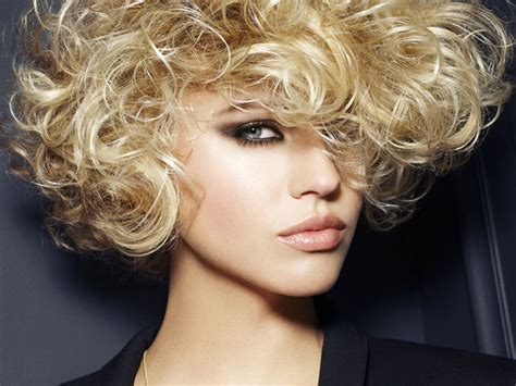 Short Hairstyles For Natural Curly Hair|