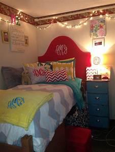 monogram everything dorm room // dorm room inspiration ...