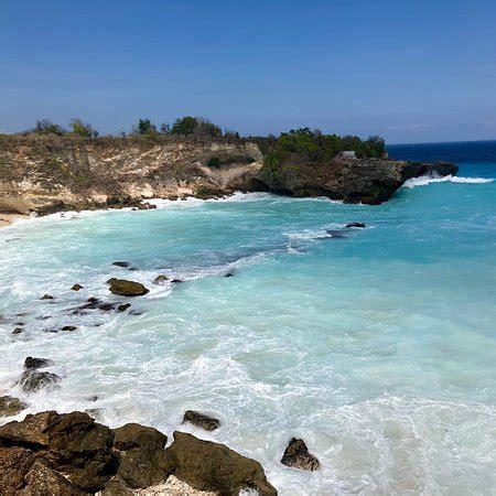 blue lagoon cliff jump nusa ceningan
