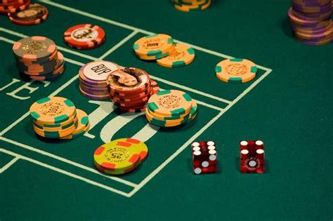 las vegas table games casino craps betting strategies