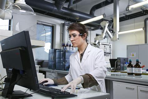 un chimiste en cuisine technicien chimiste yvelines ccmr