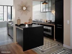 cuisine en noir tapis de carreaux de ciment et parquet With carreaux de ciment cuisine sol