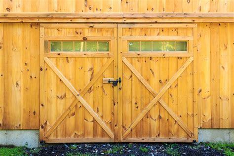Barn Garage Door by Sliding Barn Doors The Barn Yard Great Country Garages