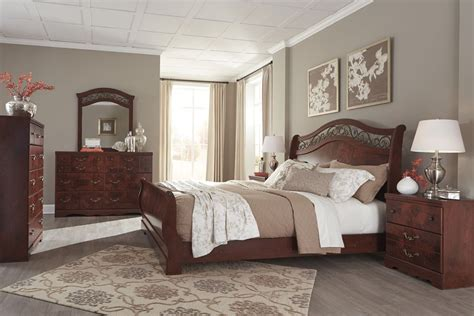 furniture add style  comfort  unclaimed freight