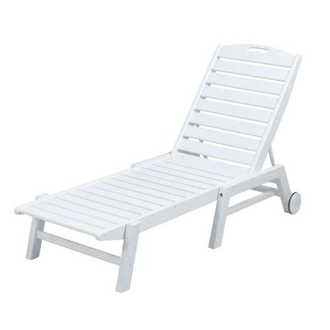 chaise longue pvc blanc home styles biscayne white patio chaise lounge with green