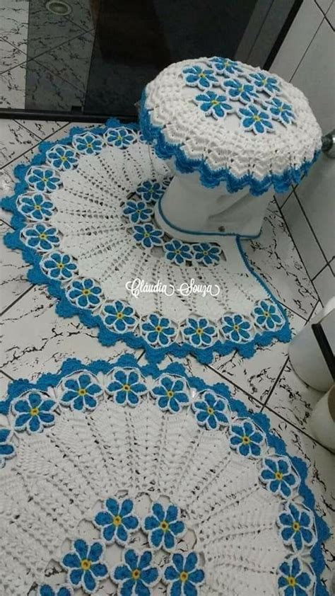 absolutely stunning  carpet   doily rug mint