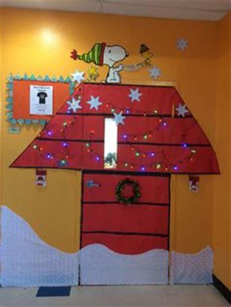 charlie brown christmas charlie brown  christmas door