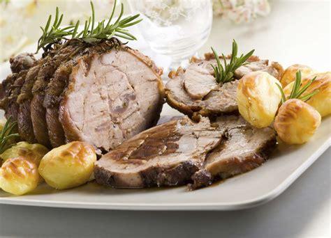 cuisiner un roti de veau au four recette du rôti de veau à la moutarde pratique fr