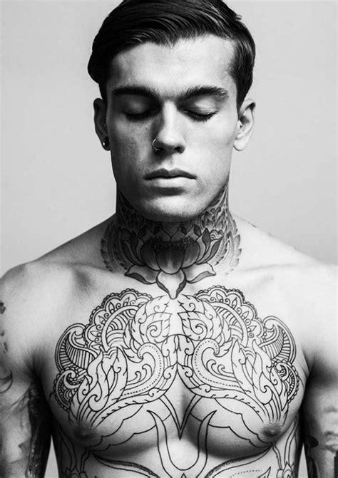 tatouage cou homme tatouage tribal cou homme cochese