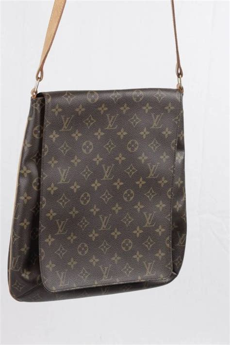 louis vuitton monogram canvas musette shoulder bag flap purse messenger  stdibs