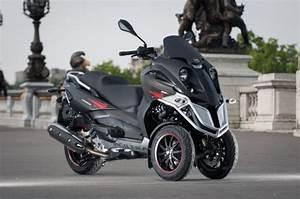 Permis Scooter 500 : tous les tricycles du groupe piaggio pour les titulaires du permis b l 39 argus ~ Medecine-chirurgie-esthetiques.com Avis de Voitures