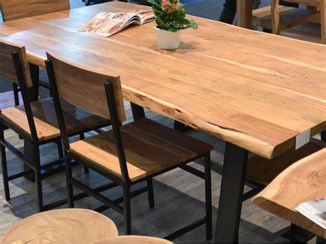 table cuisine bois massif table pied métal et bois massif naturel meuble house